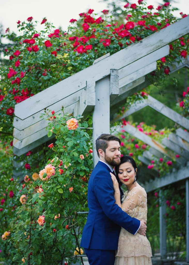 BHLDN ROSECLIFF GOWN SIMONS BLUE SUIT ROSE GARDEN VANCOUVER STANLEY PARK WEDDING PHOTO (1)