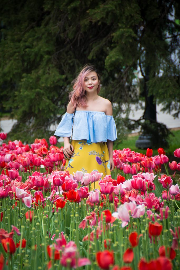 Montreal Botanical Gardens tulips Modcloth midi skirt Zara off-the-shoulder top embroidered clutch Le Chateau pumps heels spring fashion 4