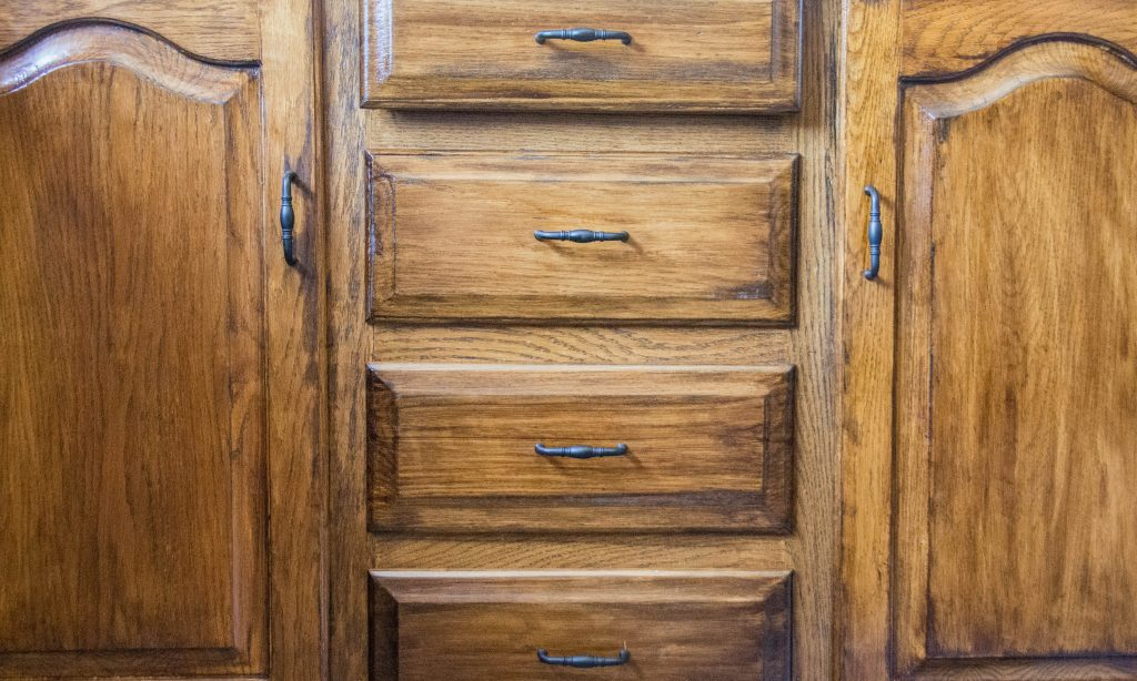 dark walnut Minwax wood stain after 1 Montreal lifestyle DIY blog