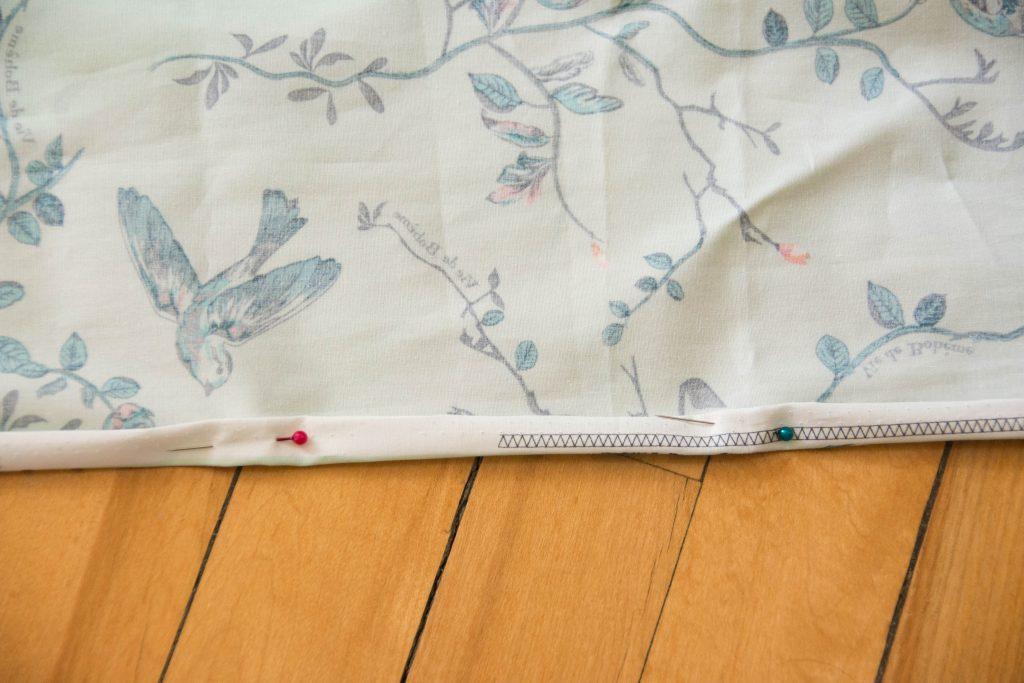 pin seam Funky Monkey Fabrics Vie de Boheme sunrise cotton print DIY tab curtain Montreal lifestyle blog 1