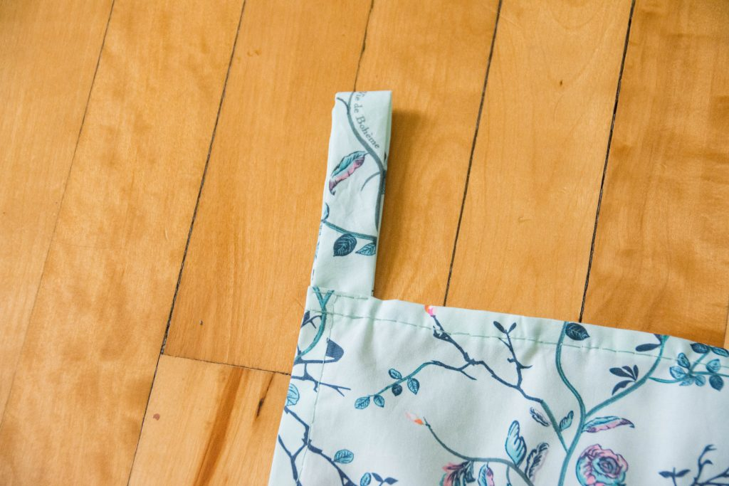 sew tabs to curtain Funky Monkey Fabrics Vie de Boheme sunrise cotton print DIY tab curtain Montreal lifestyle blog 1