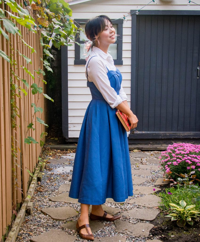 Belle blue dress Halloween costume Montreal fashion lifestyle beauty blog 1