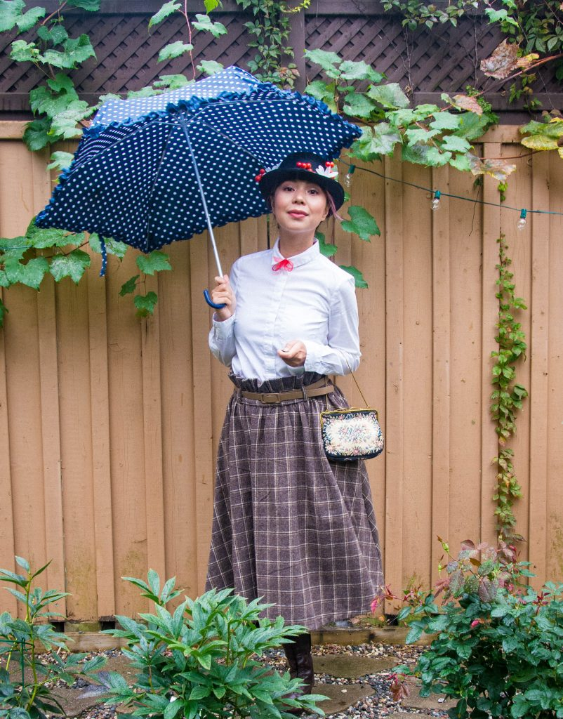 Mary Poppins costume Halloween Lindy Bop vintage skirt Montreal lifestyle fashion blog 3