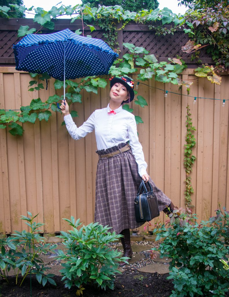 Mary Poppins costume Halloween Lindy Bop vintage skirt tapestry bag Montreal lifestyle fashion blog 1