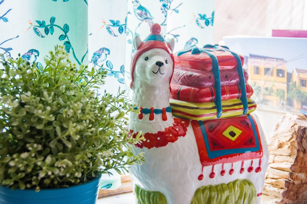 llama cookie jar Montreal DIY lifestyle blog budget kitchen remodel