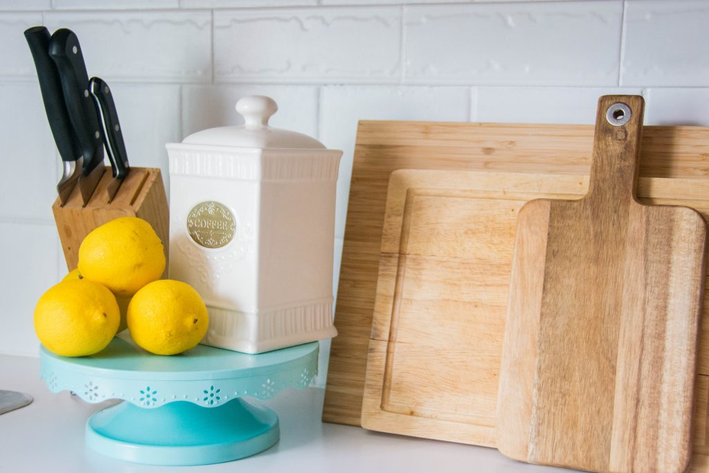 rustic farmhouse decor coffee canister cutting boards lemons Montreal DIY lifestyle blog budget kitchen remodel