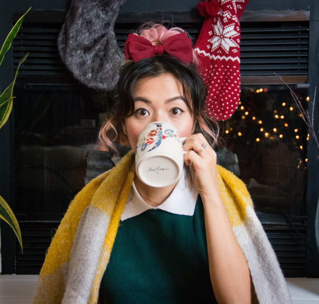 Anthropologie floral monogram mug last minute Christmas holiday gift guide Montreal lifestyle beauty fashion blog