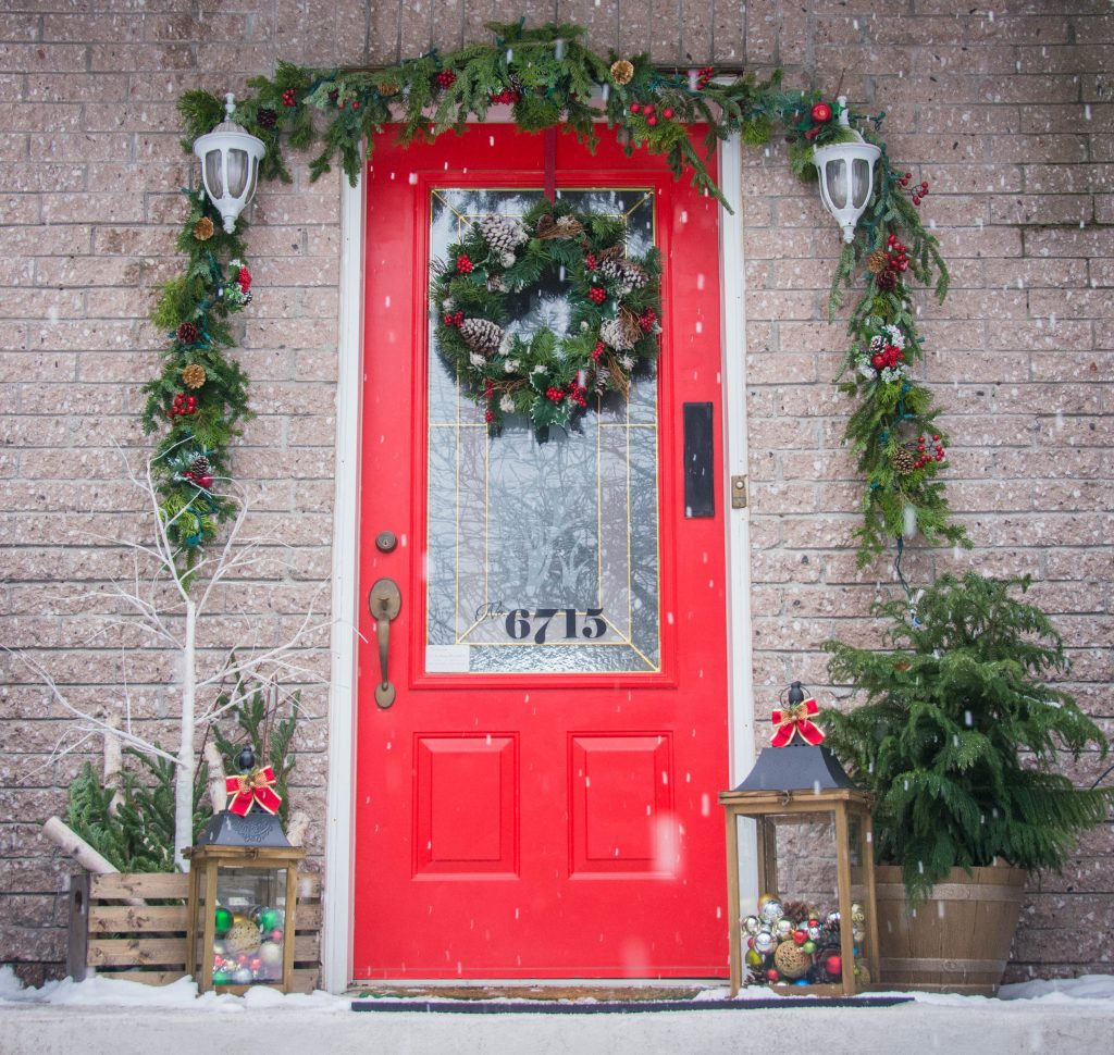 front door porch display outdoor Christmas holiday decor Montreal lifestyle fashion beauty blog