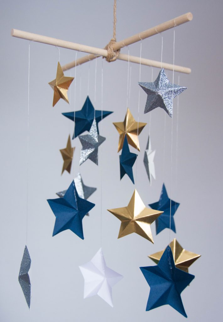 DIY 3D star mobile Montreal lifestyle blog 11