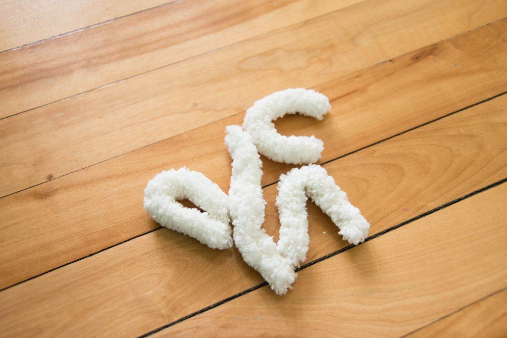 Bernat Big Blanket Jumbo 7 DIY fluffy rug Montreal lifestyle fashion beauty blog 4