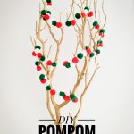 DIY pompom garland Montreal lifestyle fashion beauty blog 3